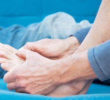 Síntomas y causas de la retención de agua debido a la enfermedad renal