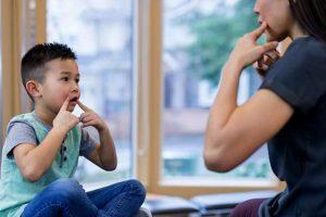 Tratamientos complementarios y alternativos para niños autistas