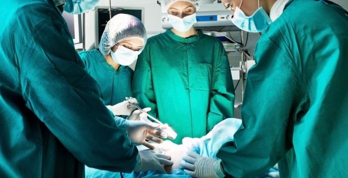 Cuál es la tasa de éxito de la cirugía de aneurisma aórtico