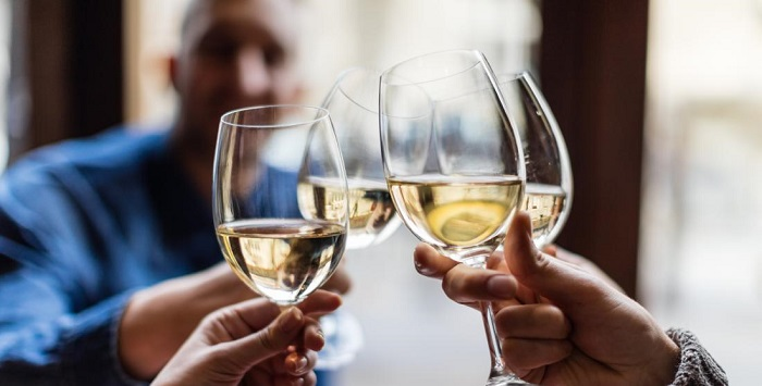 El alcohol empeora la diverticulitis