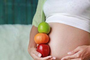 Qué vitaminas y minerales tomar durante el embarazo