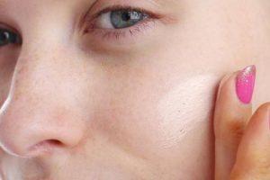 Hábitos horribles que pueden obstruir los poros de tu piel