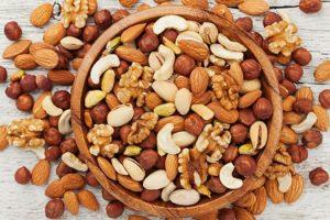 Beneficios para la salud de comer nueces y semillas