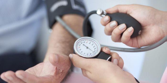 Cuando preocuparse con la presión arterial alta