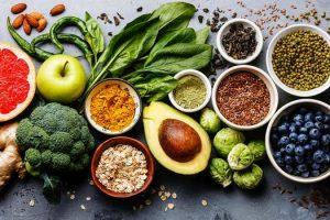 Qué alimentos ayudan con el acné