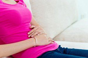 posibles causas de dolor abdominal en mujeres
