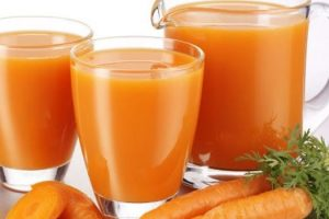 Beneficios del jugo de zanahoria y su preparación