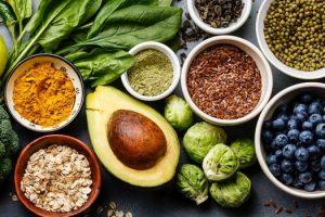 Lista de alimentos ricos en proteínas y frutas