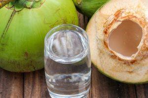 Beneficios para la salud de agua de coco