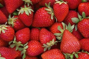 Cómo la fresa puede mejorar tu belleza