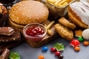 Efectos sobre la salud de los alimentos ultraprocesados y cómo rompe el hábito de comer alimentos ultraprocesados